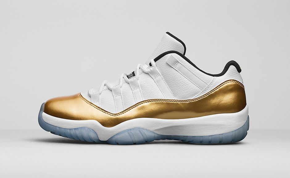 air-jordan-11-retro-low-white-metallic-gold-2