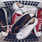 Jak czyścić buty z materiału?