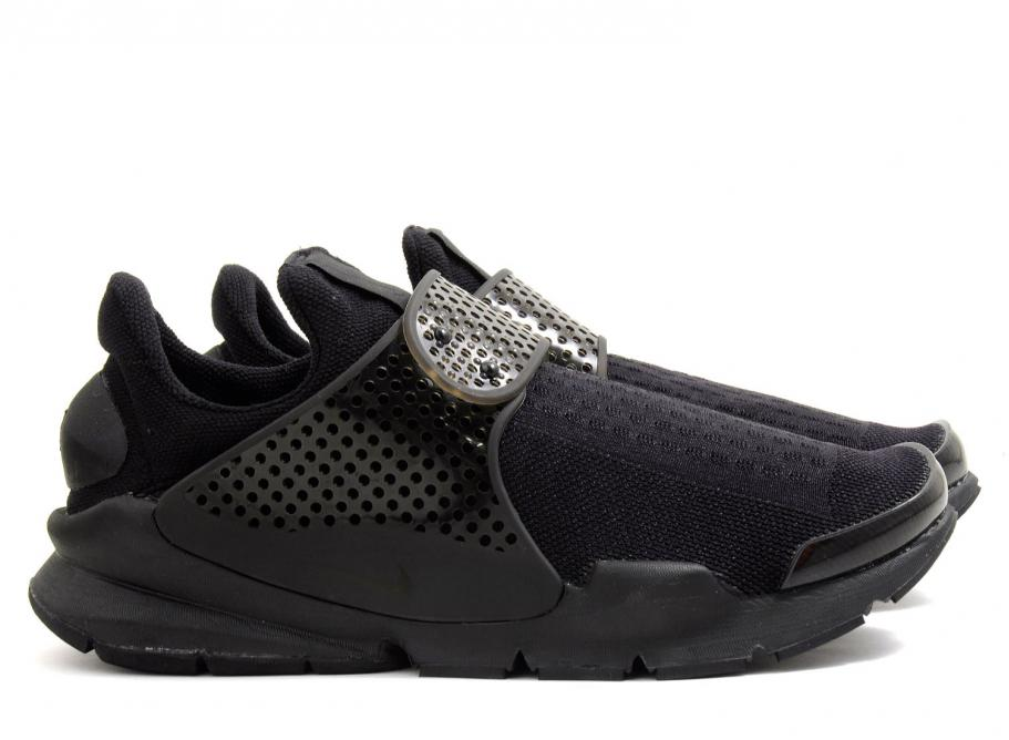 911x668_nike-sock-dart-triple-black-volt-819686-001-1